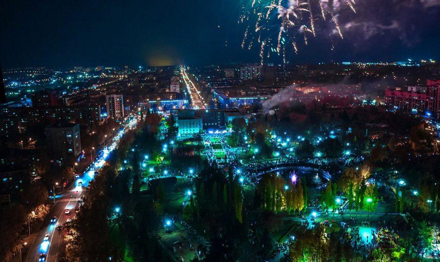 Фейерверк по случаю Дня Республики и Дня города в Уфе